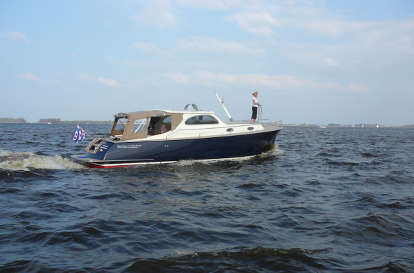 RiverCruise 35 Cabin Launch - Motorboat rental in Friesland - Ottenhome Heeg