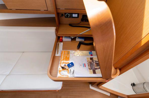 Jeanneau Sun Odyssey 319 - Rent a yacht in Friesland- Ottenhome Heeg
