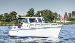 Harderwijk Cruiser 10.50 AK - Motorboot Rental in Friesland - Ottenhome Heeg
